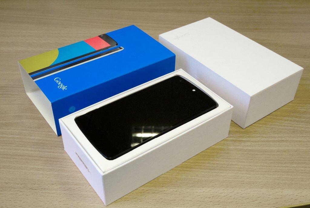 Nexus 5 pakkaus