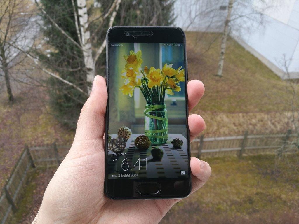 Arvostelussa Huawei P10 - Paljon hyvää, mutta myös ihmetyksen aiheita