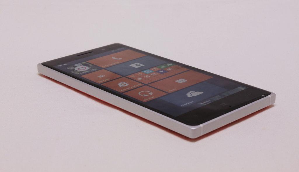Arvostelu: Nokia Lumia 830