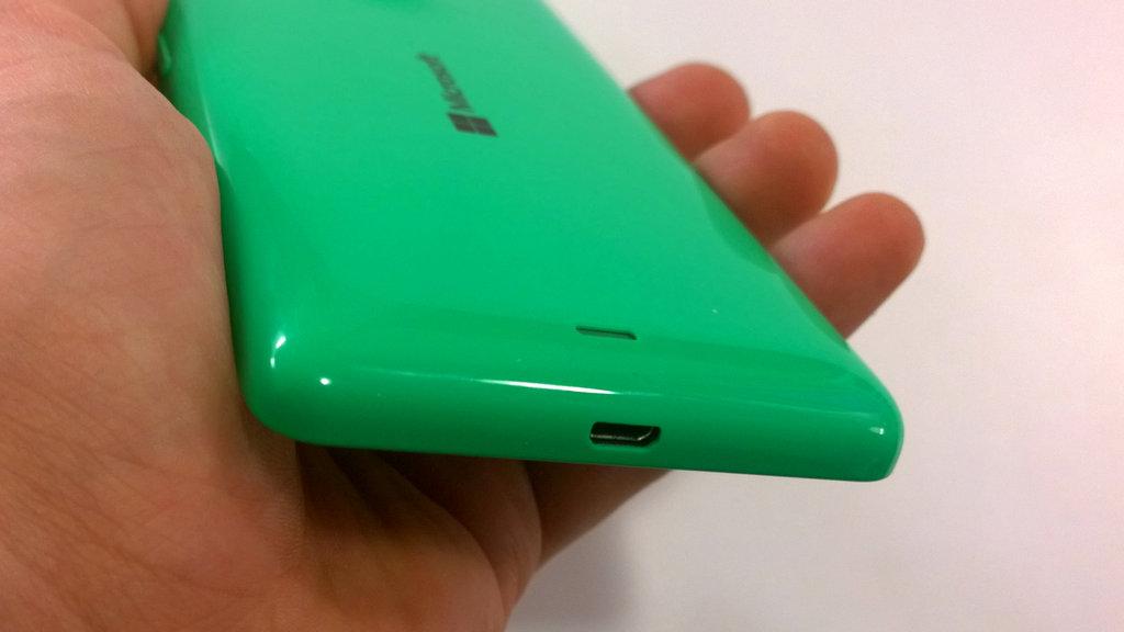 Testissä Lumia 535 - ulkoasu