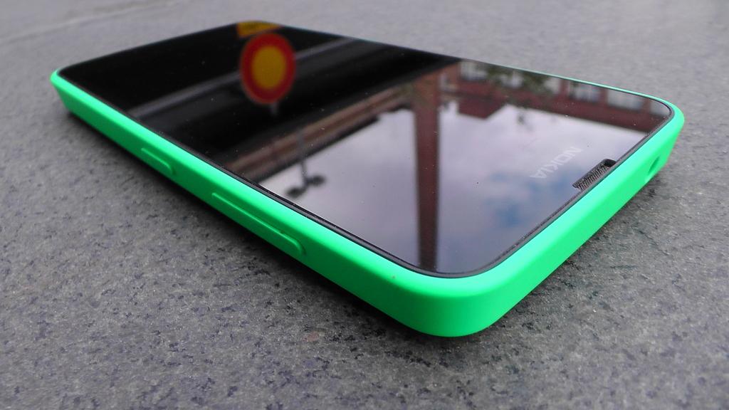 Testissä Lumia 630