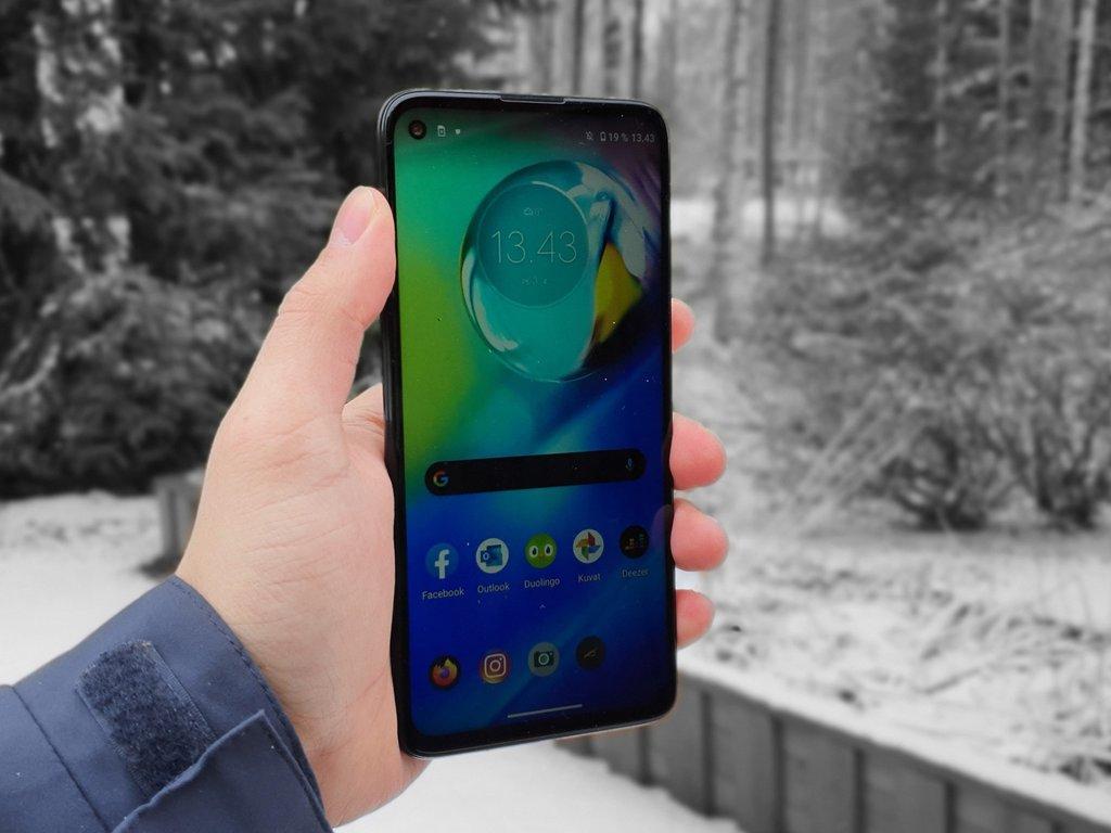 Testissä Motorola Moto G8 Power: Akkukestokuningas alle 250 eurolla