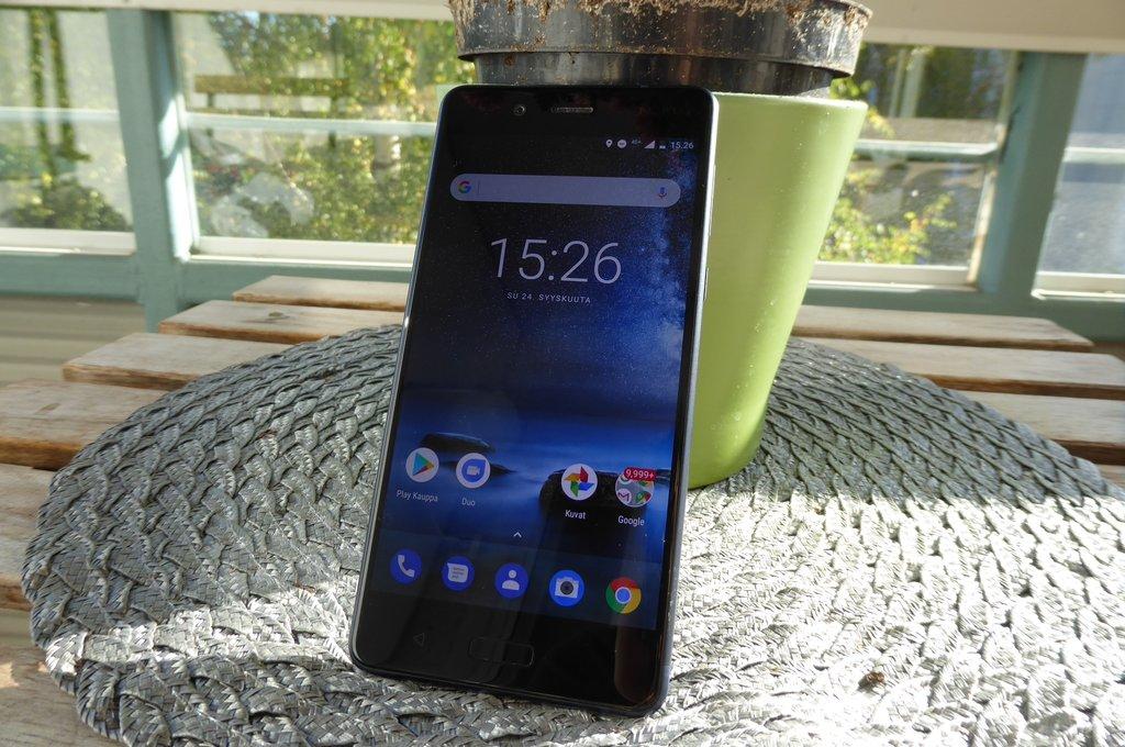 Arvostelussa Nokia 8 – ensimmäinen Nokia-logolla varustettu Android-huippuälypuhelin