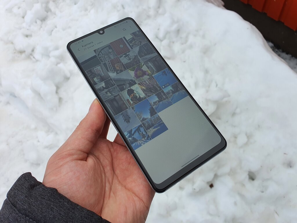 Samsung Galaxy A42 5G arvostelu: Liian vähän, liian paljolla