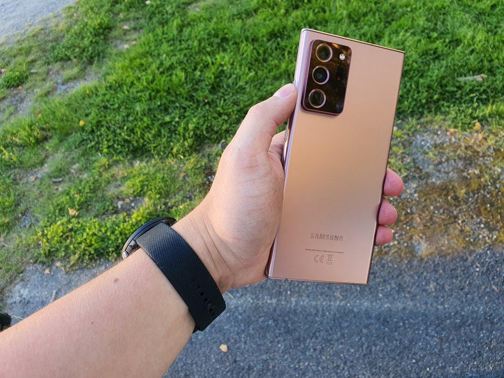 Samsung Galaxy Note20 Ultra arvostelu: iso puhelin loistavilla ominaisuuksilla ja korkealla hinnalla