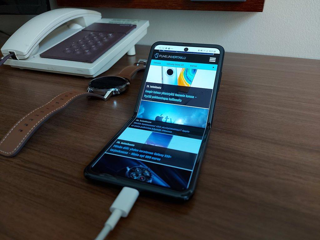 Testissä Samsung Galaxy Z Flip: Simpukan uusi tuleminen