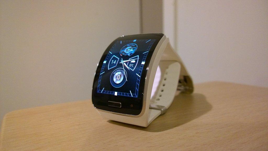 Arvostelu: Samsung Gear S älykello