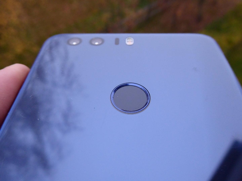 Huawei Honor 8 - sormenjälkilukija
