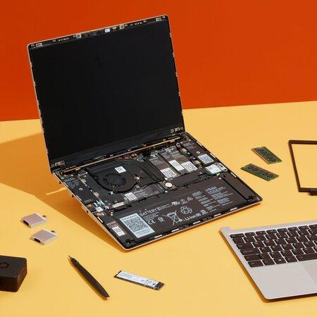 Framework Laptop avattuna
