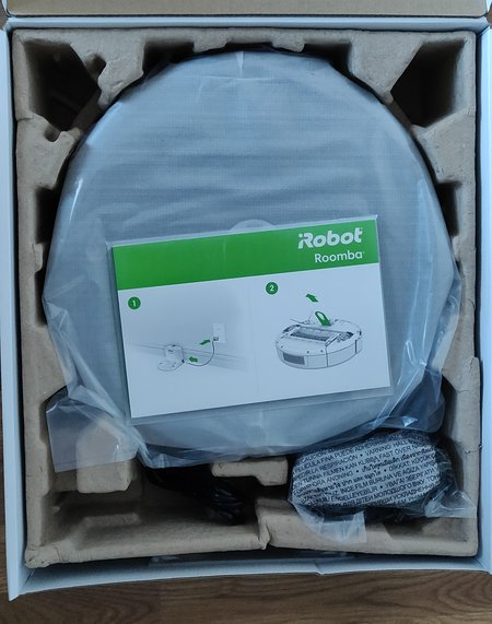 Roomba 606 sales package