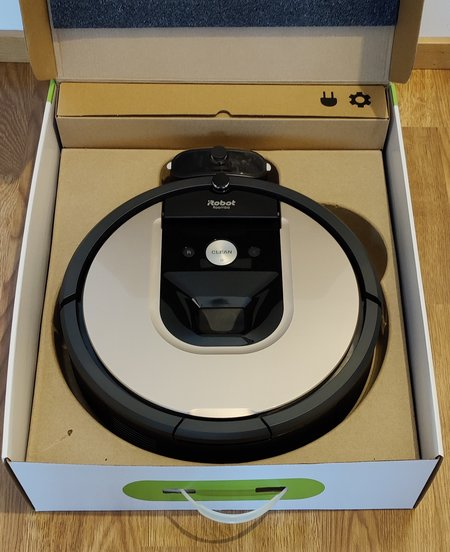 Roomba 976 myyntipakkaus, avattuna