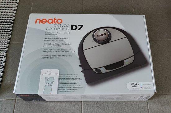 Neato D7 myyntipakkaus
