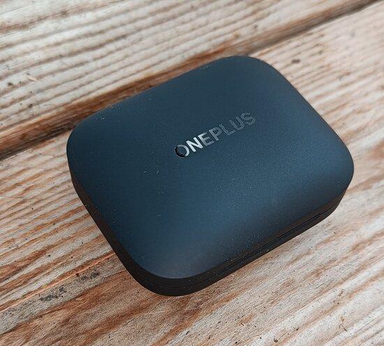 OnePlus Buds Pro latauskotelo