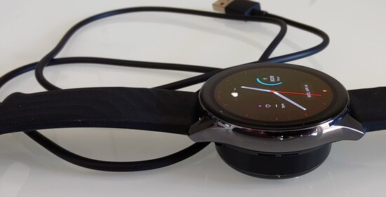 OnePlus Watch in charger