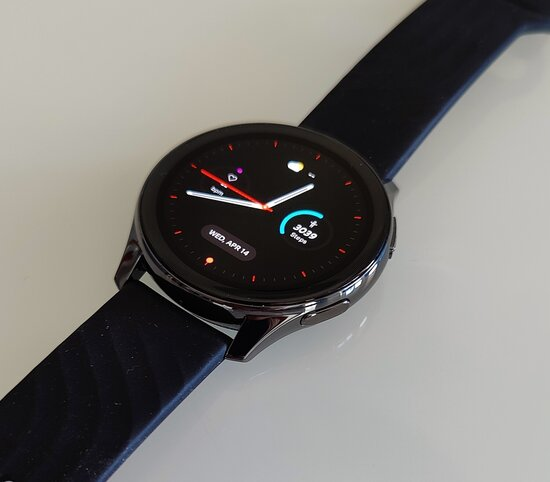 OnePlus Watch display