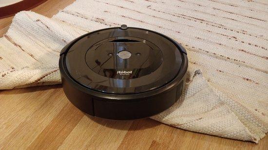 Räsymatto ja Roomba e5 eivät sovi yhteen