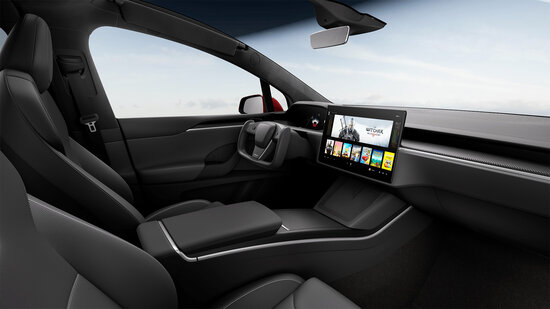 Tesla Model S vuoden 2021 sisustus