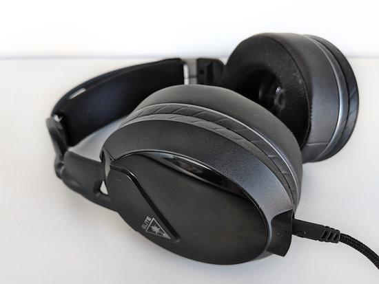 online store 72843 d0631 Elite Atlas -kuulokkeet ovat varsin muhkeat ja suuret. Korvien ympärille  tulee runsaasti pehmustetta, mikä auttaa istuvuuden kanssa.