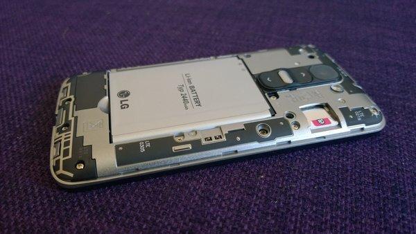 LG G2 Mini card slots