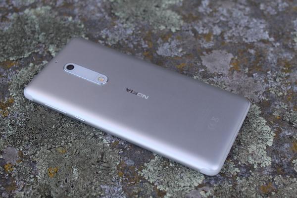 Nokia 5 - ulkonäkö