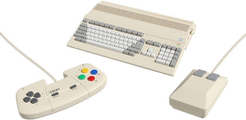 Amiga 500 Mini ohjaimen ja hiiren kanssa
