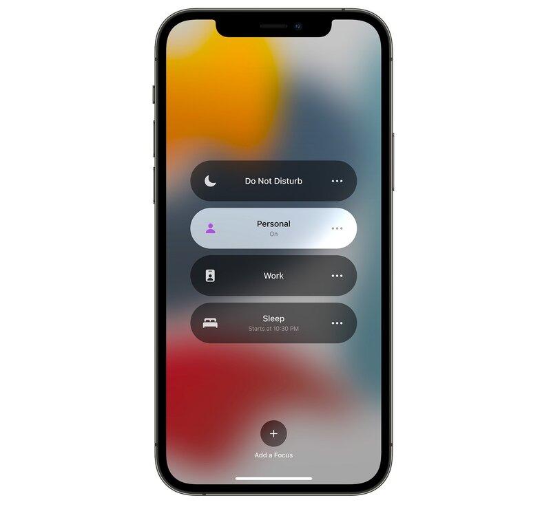 iOS 15:n focus-tila iPhonen näytöllä