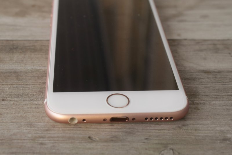 Apple iPhone 6s - touch ID