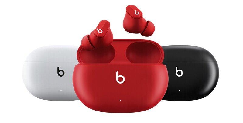 Beats Studio Buds kuulokkeet valkoisessa, punaisessa ja mustassa värissä
