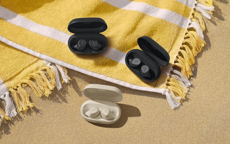Jabra Elite 7 Pro kuulokkeet kotelossa