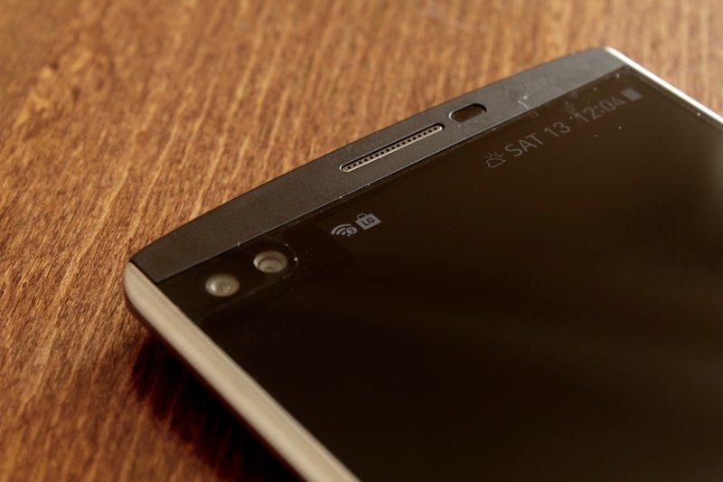 LG V10 - etukamera