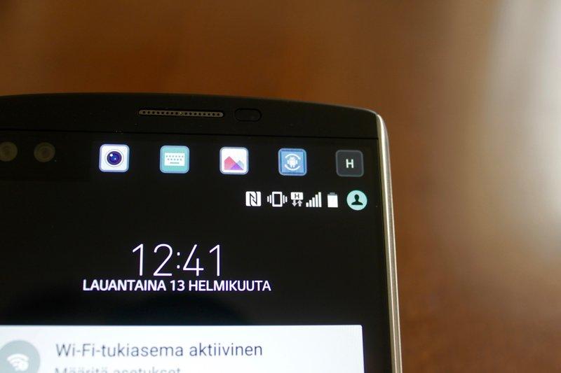 LG V10 - kaksoisnäyttö