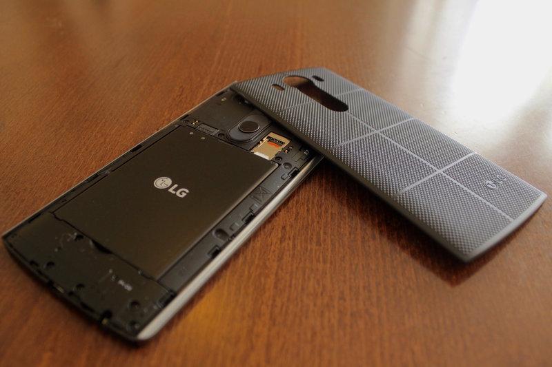 LG V10 - takakuori irti