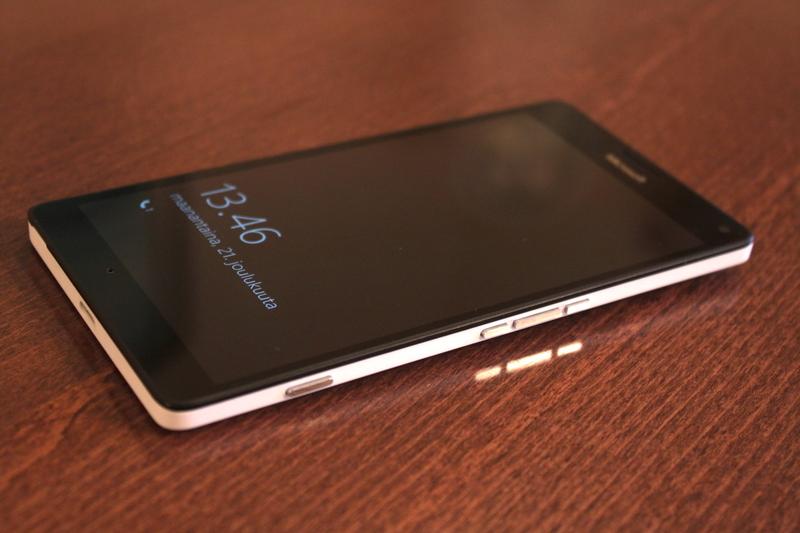 Microsoft Lumia 950 XL - painikkeet
