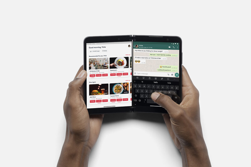 Kahden sovelluksen käyttöä Surface Duo 2:lla