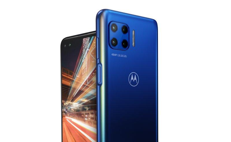 Motorola Moto G 5G Plussan etu ja takakamerat