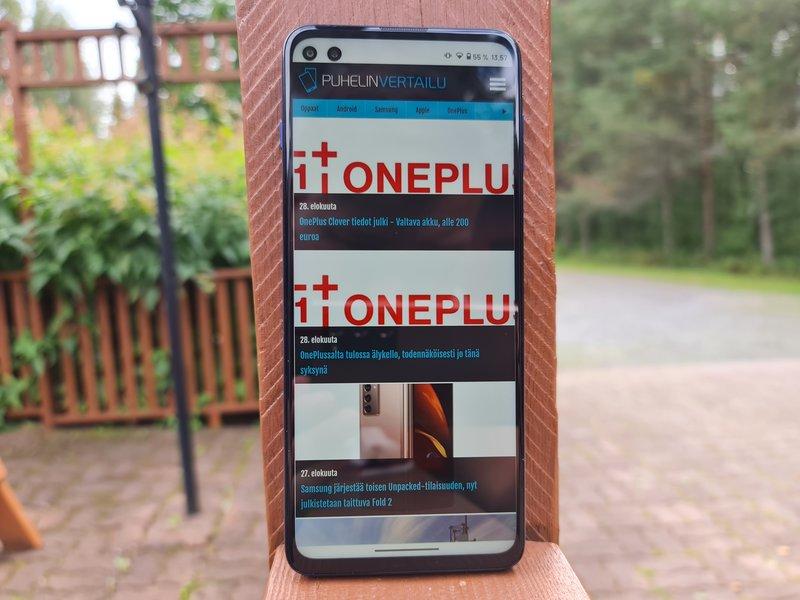 Moto G 5G Plus puhelimen näyttö