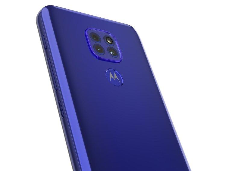 Moto G9 Playn kamerat puhelimen sinisessä värissä