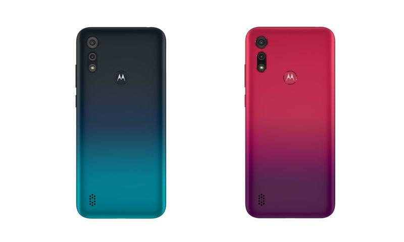 Moto e6s puhelimen kaksi värivaihtoehtoa