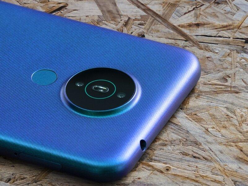 Nokia 1.4 sisältää kaksoiskameran takana