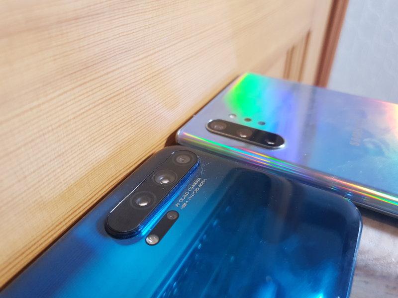 Note10+ ja Honor 20 Pro sisältävät molemmat neljä kameraa takana