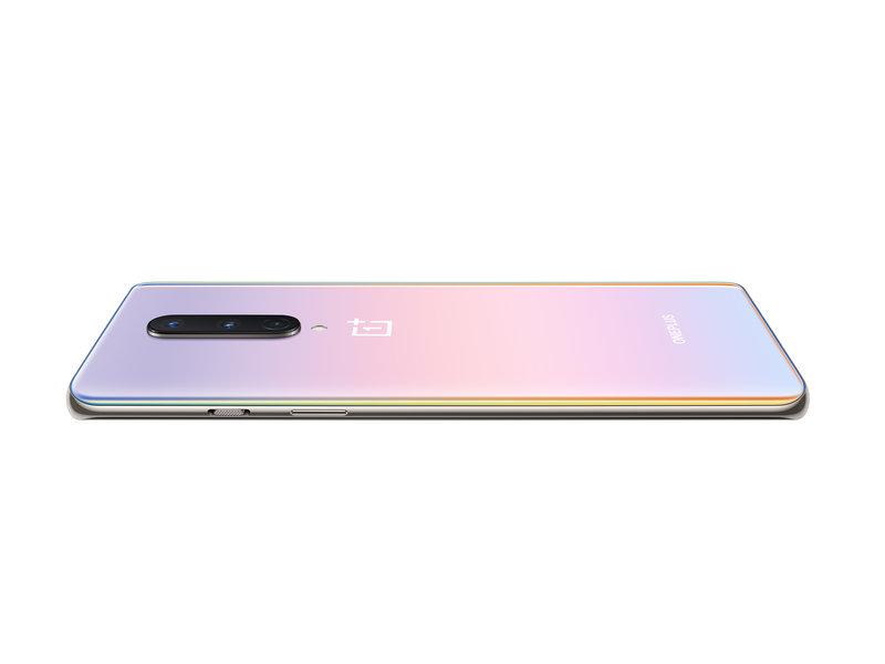 OnePlus 8 interstellar glow värissä