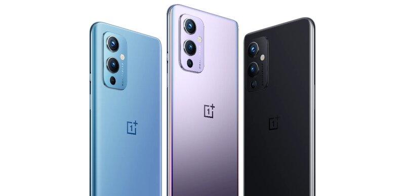 kolme oneplus 9 puhelinta eri väreissä