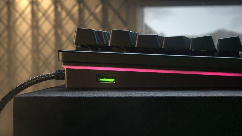 Huntsman V2 Analog näppäimistö sisältää myös USB 3.0 läpiviennin