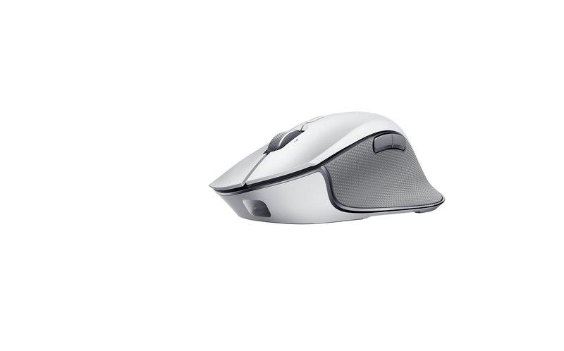 Razer Pro Click hiiri kyljestä kuvattuna