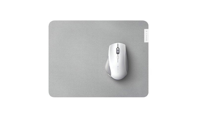 Pro Glide hiirimatto, joka on suunniteltu Pro Click hiiren kaveriksi