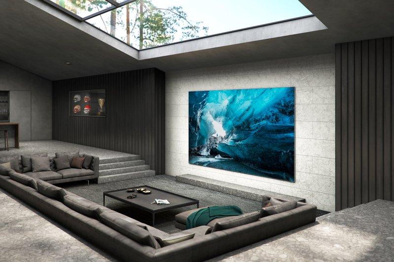 110-tuumainen MicroLED-televisio seinällä