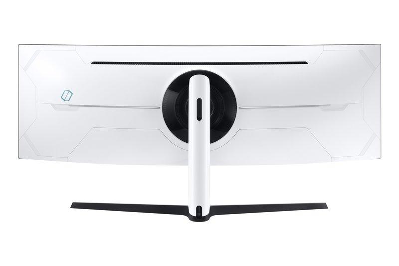 Odyssey G9 on takaa valkoinen ja takana on myös valojärjestelmä