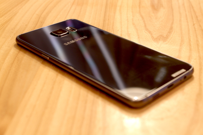 Samsung Galaxy S6 edge+ - muotoilu