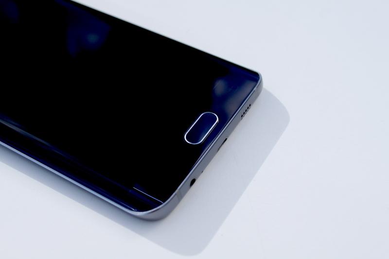 Samsung Galaxy S6 edge+ - sormenjälkilukija