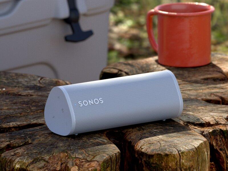 Sonos Roam kaiutin kannon päällä